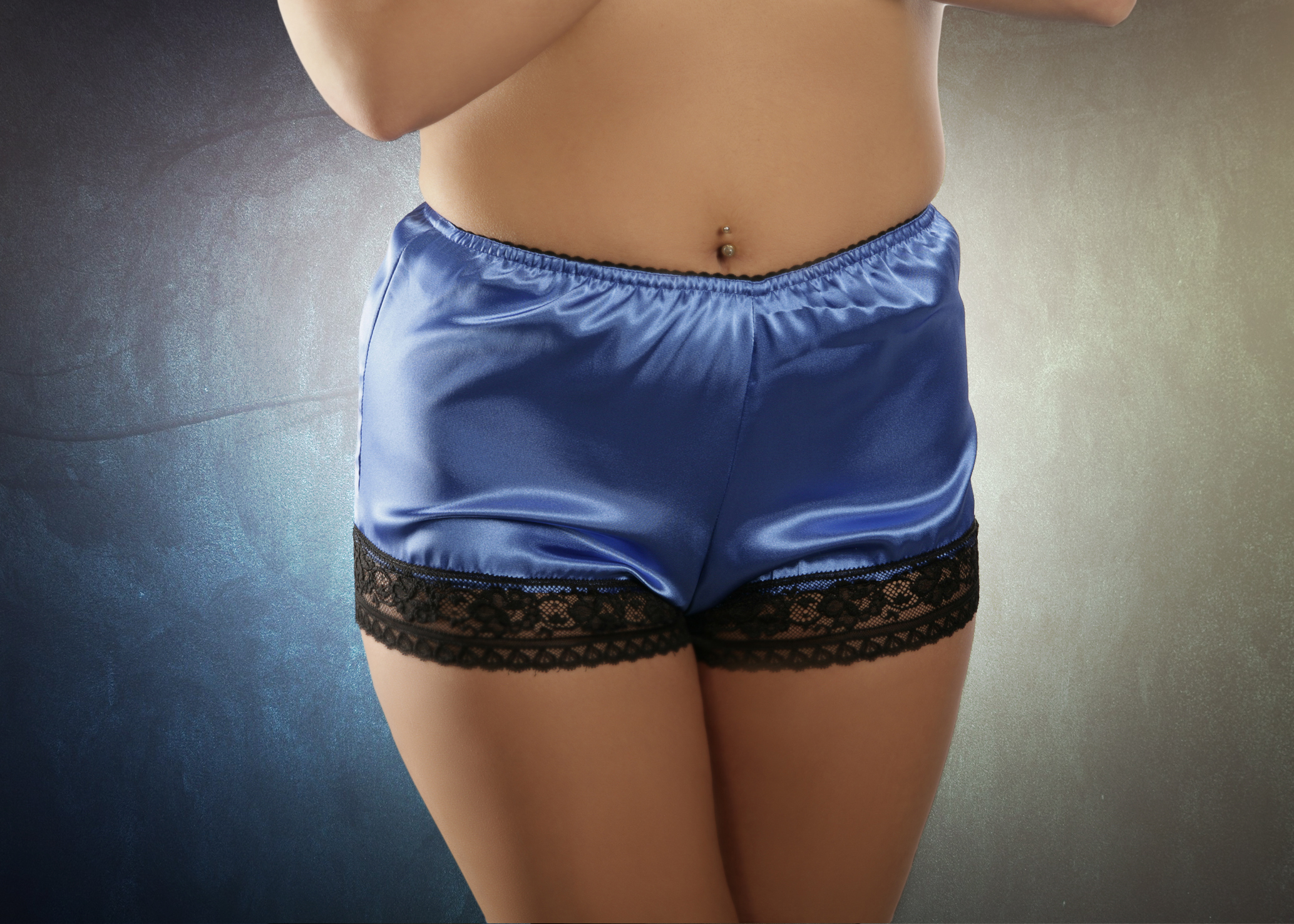 Blue French-style knickers
